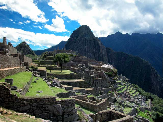 http://dismanibus156.files.wordpress.com/2008/09/machu-picchu.jpg