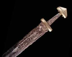 viking-sword-ulfberht-inscription-leiden1