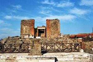 pompei_-_tempio_della_fortuna_augustea