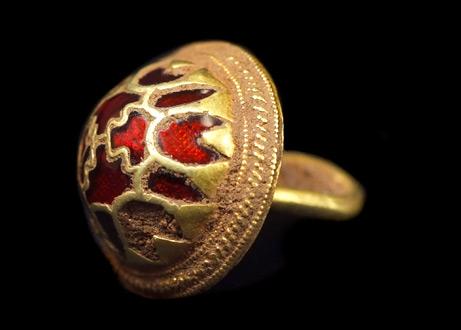 090924-02-gold-ring_big