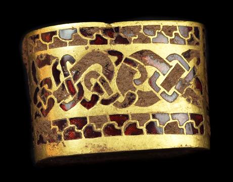 090924-04-gold-sword-handle_big
