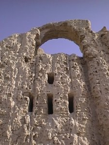 Kuh_Khajeh_Rostam_Castle1